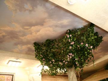 Декоративная колонна в интерьере
